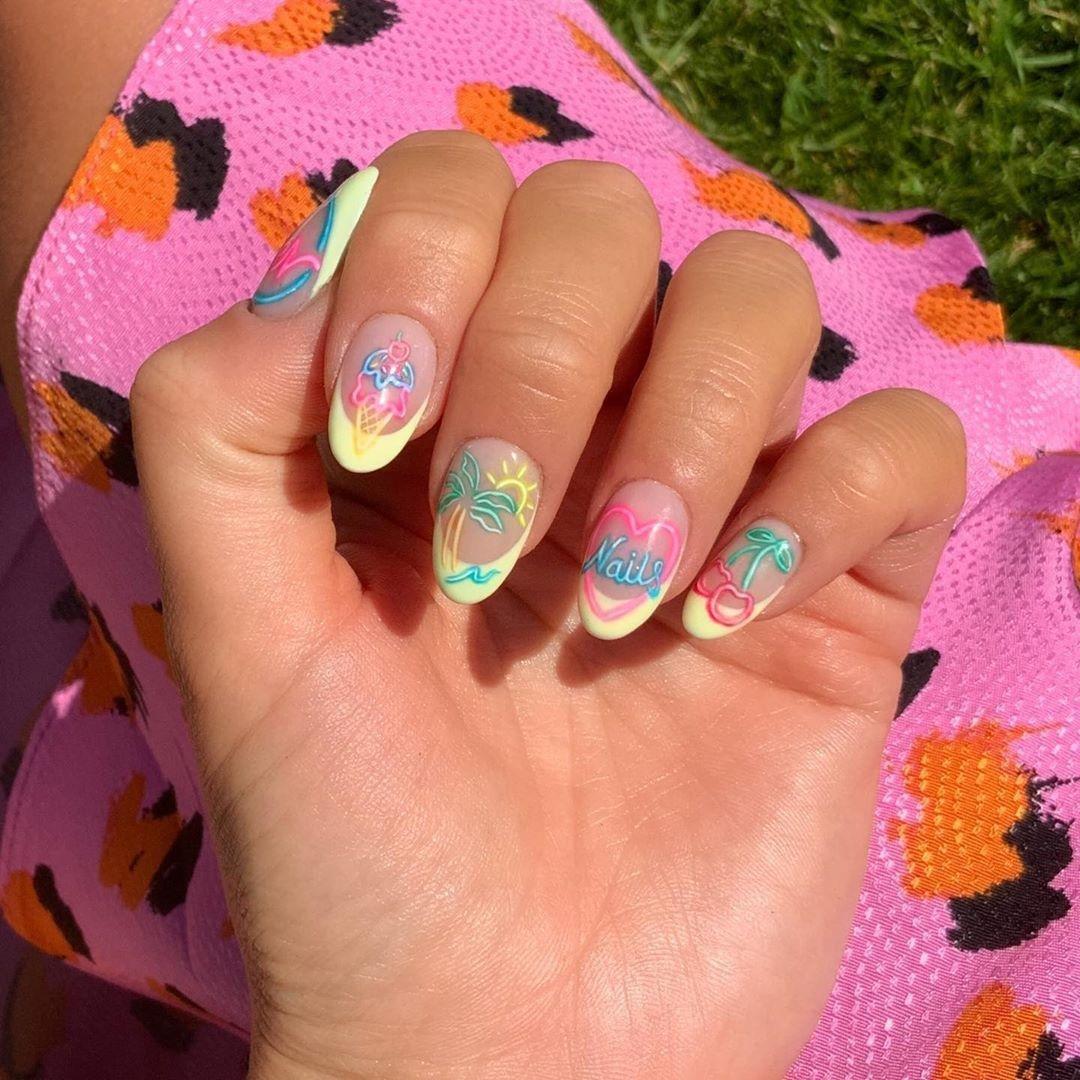 صور موديلات وألوان مناكير تناسب إطلالاتك هذا الصيف
